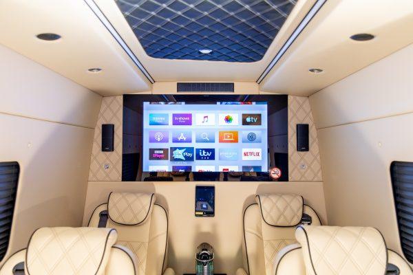 NTD ChauffeurJet7 digital Screen